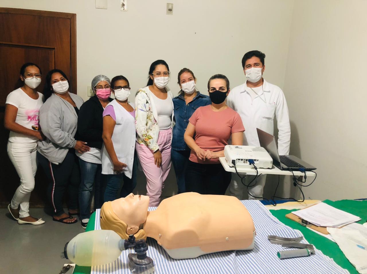 Equipe do hospital municipal de São Simão recebe capacitações e treinamentos para assistência de enfermagem