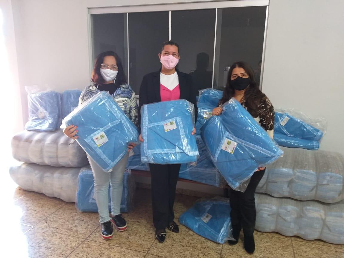 Social distribui 120 cobertores provindos da OVG